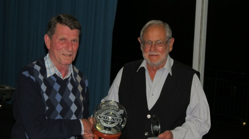 Overall winner - Peter with Oom Tom who handed over the award