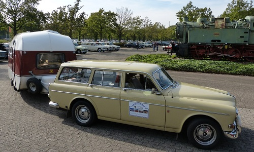 Sybrand's P220 and caravan
